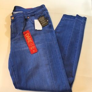 NWT Celebrity Pink Ankle skinny jeans 13